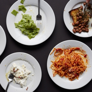 http://www.doitinlondon.com/files/2016/DRINK_FOOD/table-at-padella-from-up.jpg