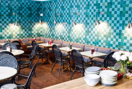 http://www.doitinlondon.com/files/2016/DRINK_FOOD/interior-farm-girl-cafe.jpg