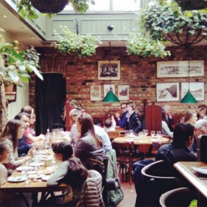 http://www.doitinlondon.com/files/quartiers/Primrose-Hill/lemonia-restaurant-interior-london.jpg